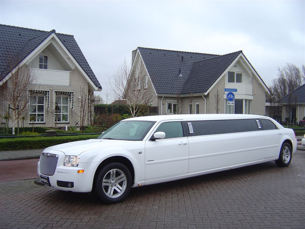 Astonishing Limousines for Hire in Melbourne