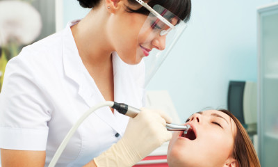 Cosmetic Dentist in Melbourne