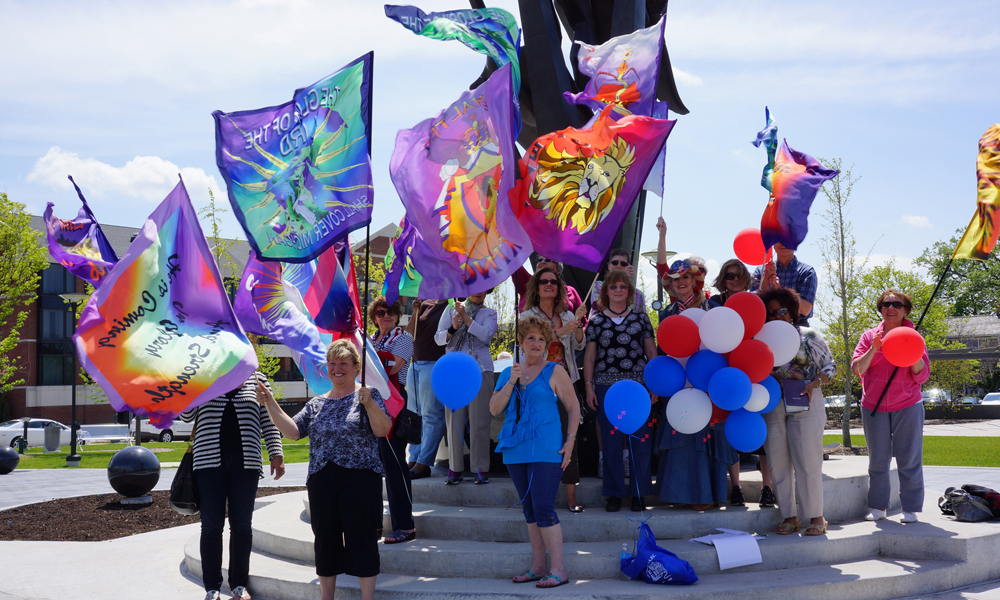 Flags and Banners – Trend On the Streets