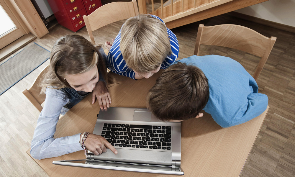 Young Generation Likes to Spend more Time Online Rather than Watching Television