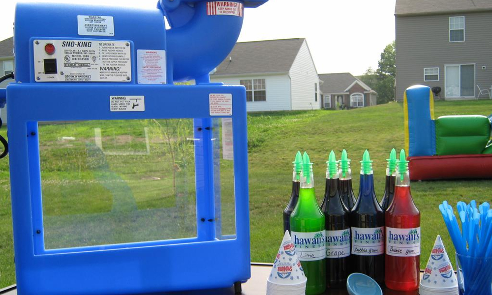 How Snow Cone Machine Helps to Organize a Cool Party in Summer