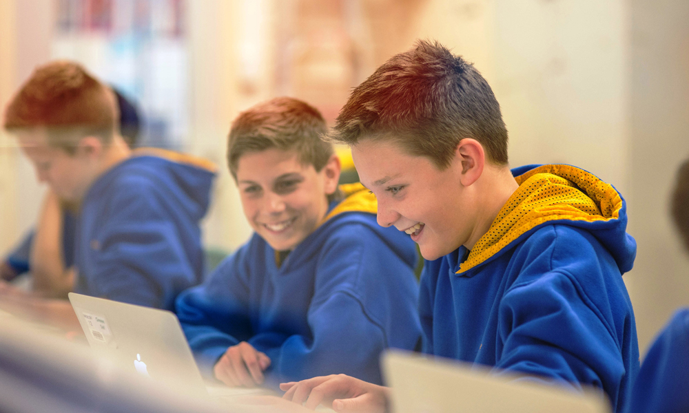 School Apps Can Be a Substitute For Paper School Newsletters