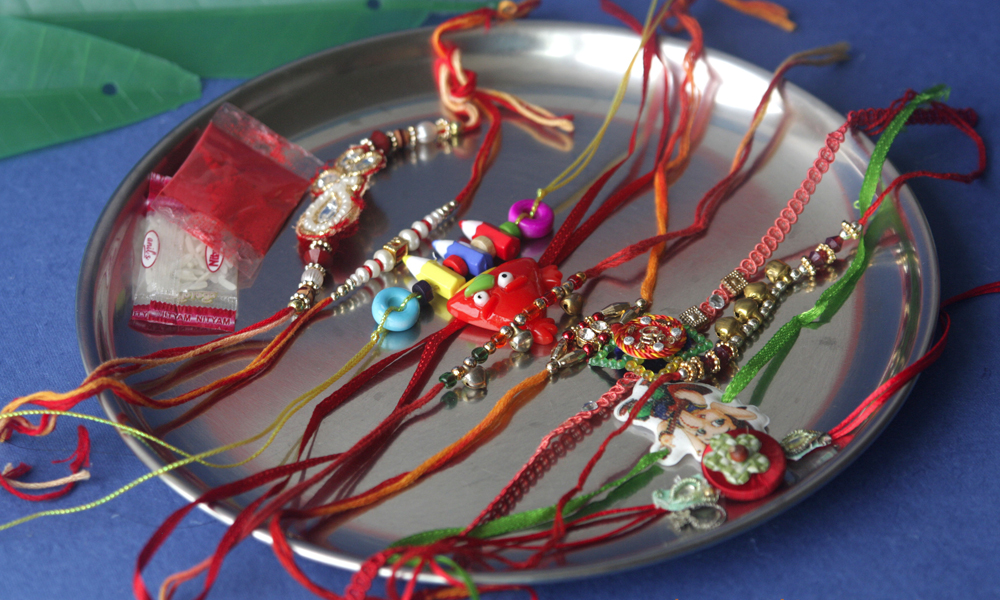 Great Gift Ideas For Your Sister With Rakhi To Australia From India