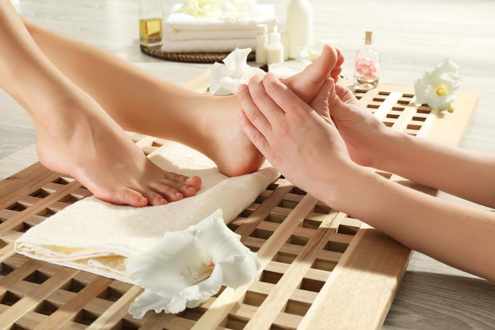 6 Reasons To Give Yourself A Foot Massage