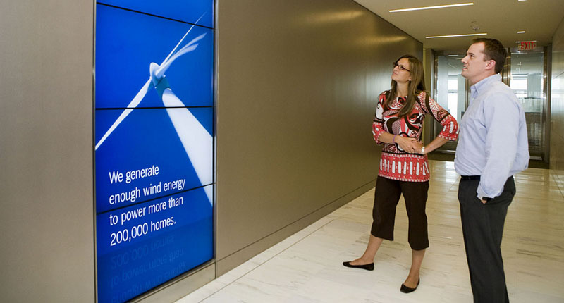 How to take digital signage onto center stage