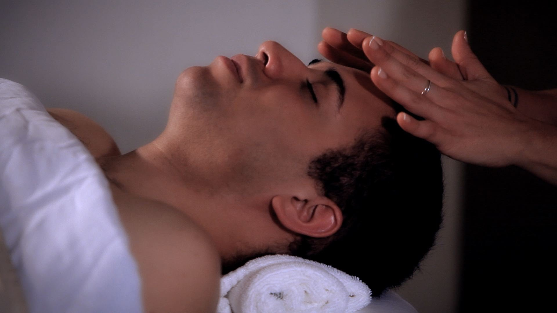 6 Surprising Parts of the Body to Massage to Relieve Your Headaches