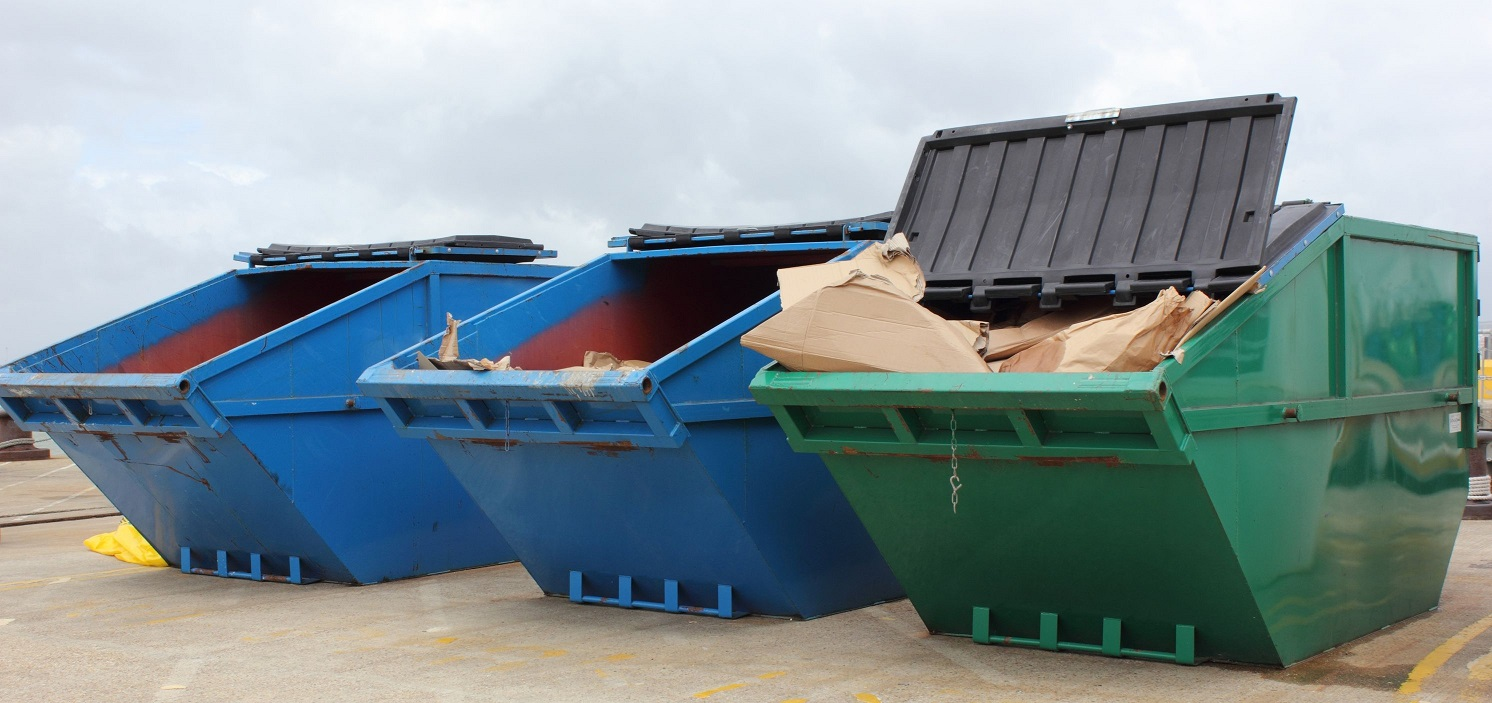 Advantages of Hiring Townsville Skip Bins Services
