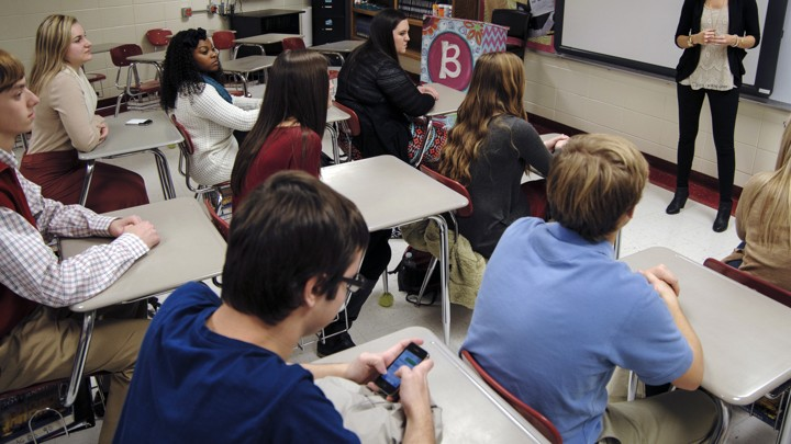 Smartphone Ban in Schools: Good or Bad Idea?
