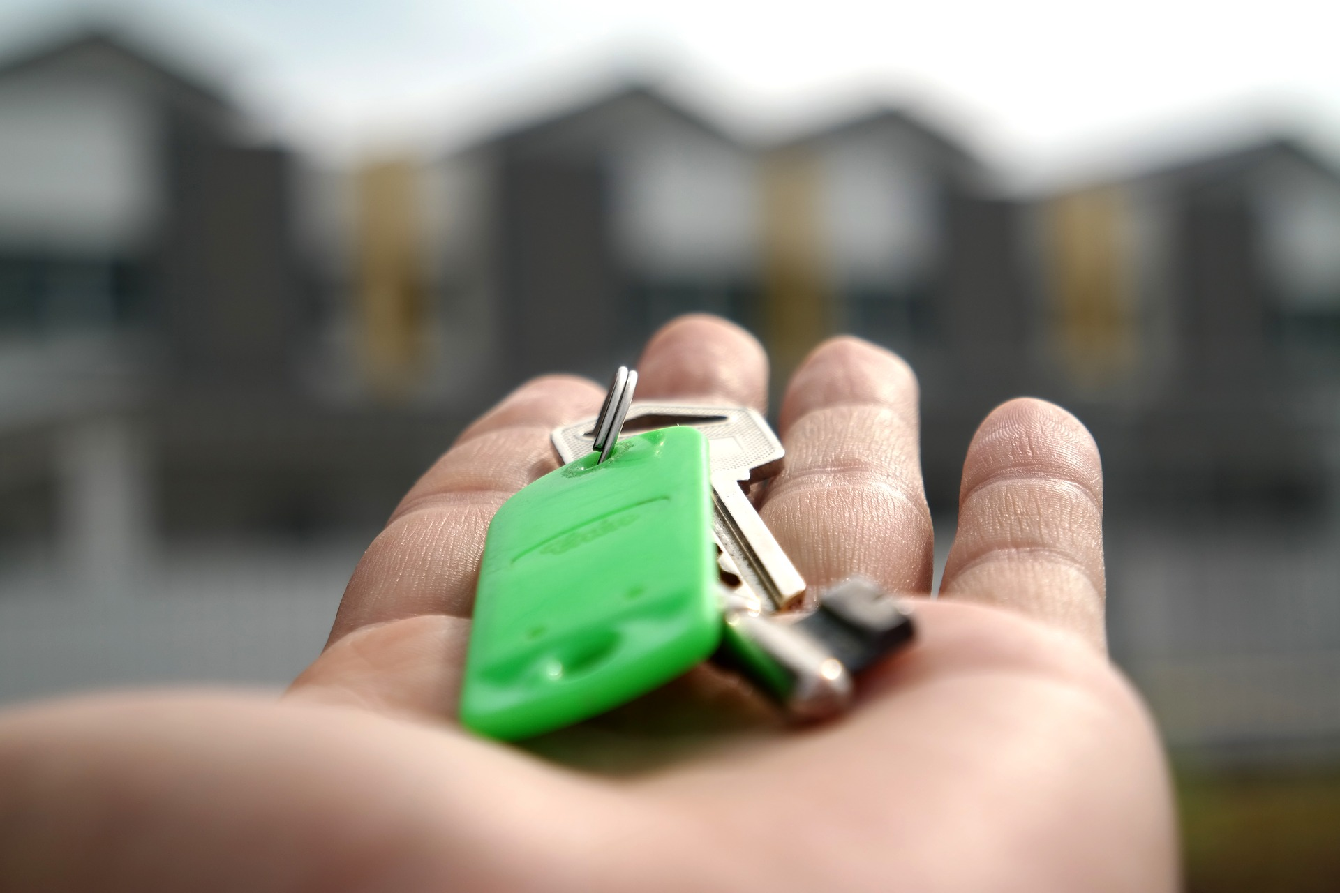 6 Reasons Why You Should Hire a Professional Property Manager
