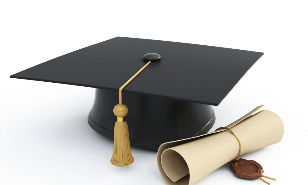 Benefits of How a College Degree Replica Can Aid You
