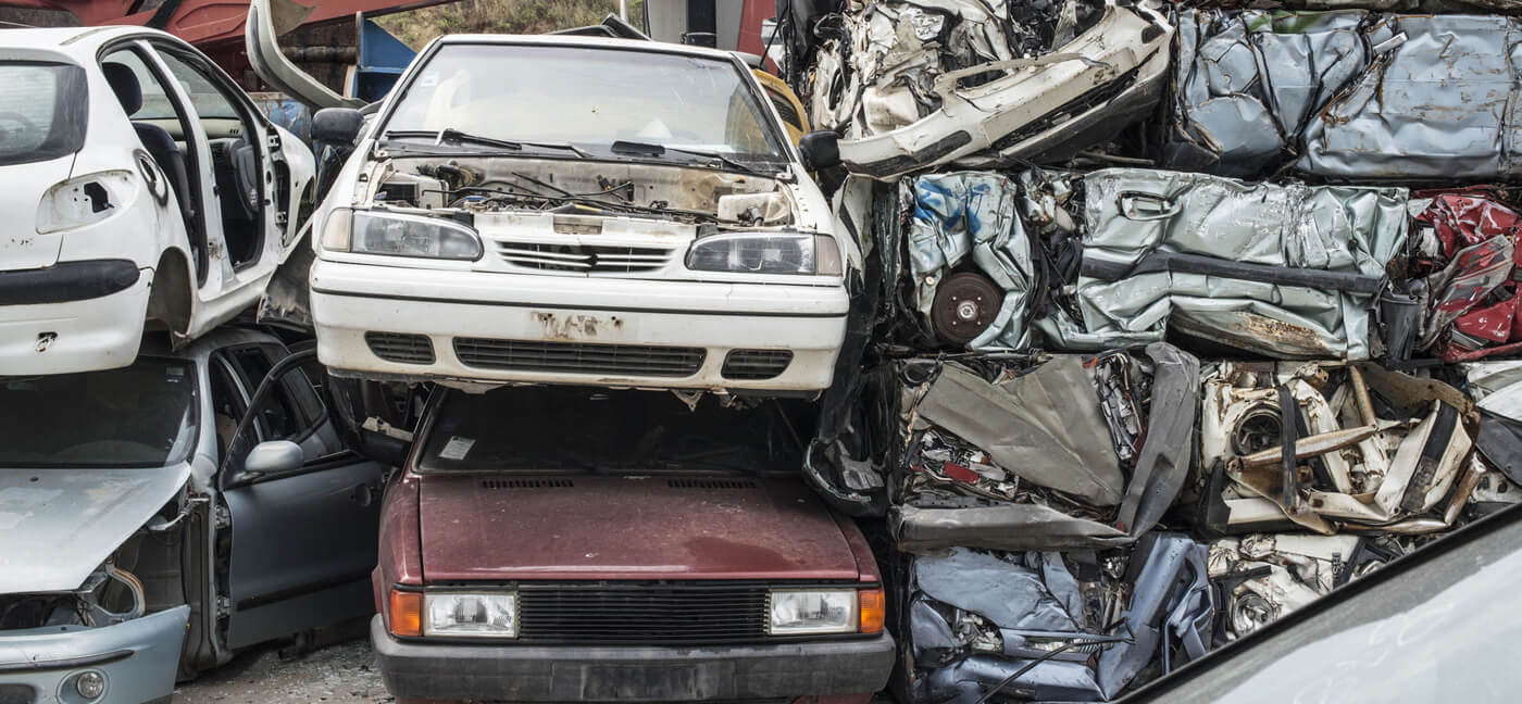 Why Would You Need to Hire Auto Wreckers?