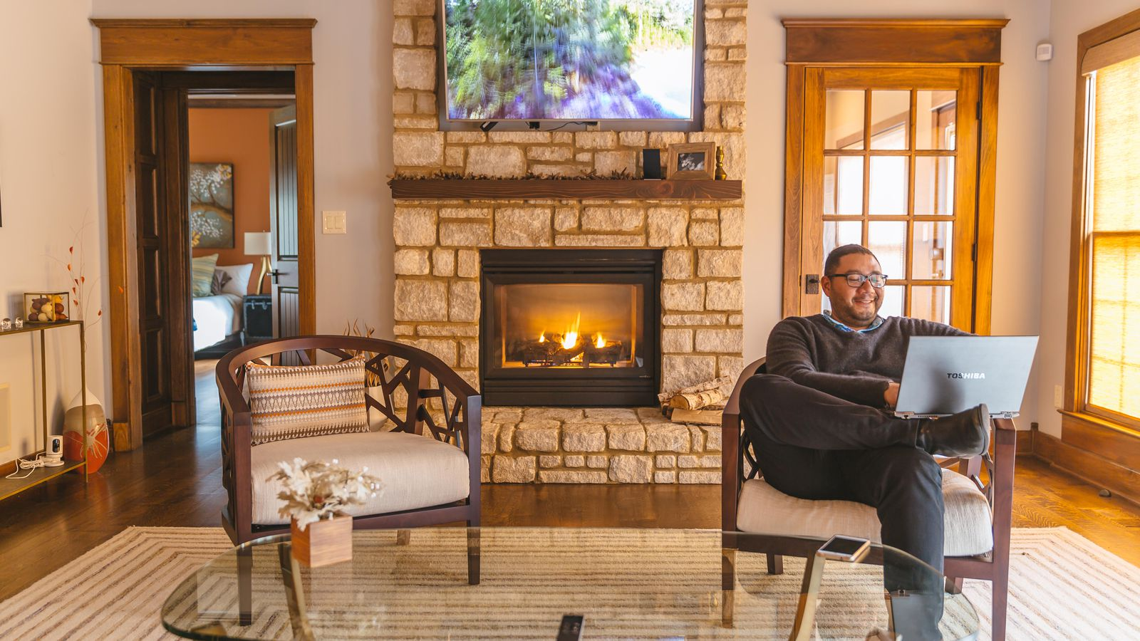 6 Affordable Ways To Keep Your Home Warm In Colder Weather
