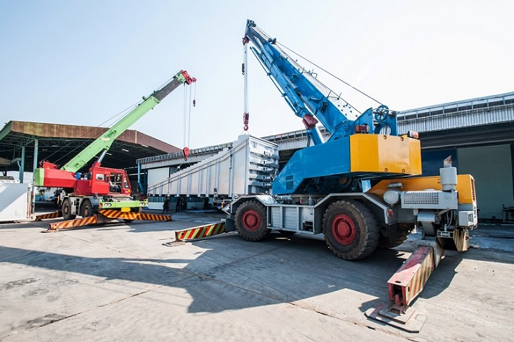 How to Choose the Right Heavy Machinery Transport Service
