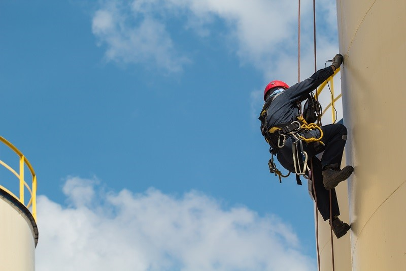 Rope Access Specialists: An Adventurous Career Option