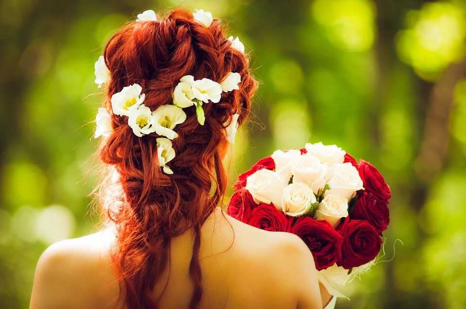 8 Questions you need to ask your Wedding Hair Stylist Now!