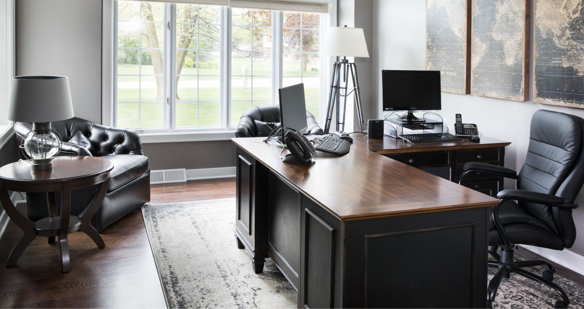 8 tips to organize de-clutter and get your home office ready for 2019!