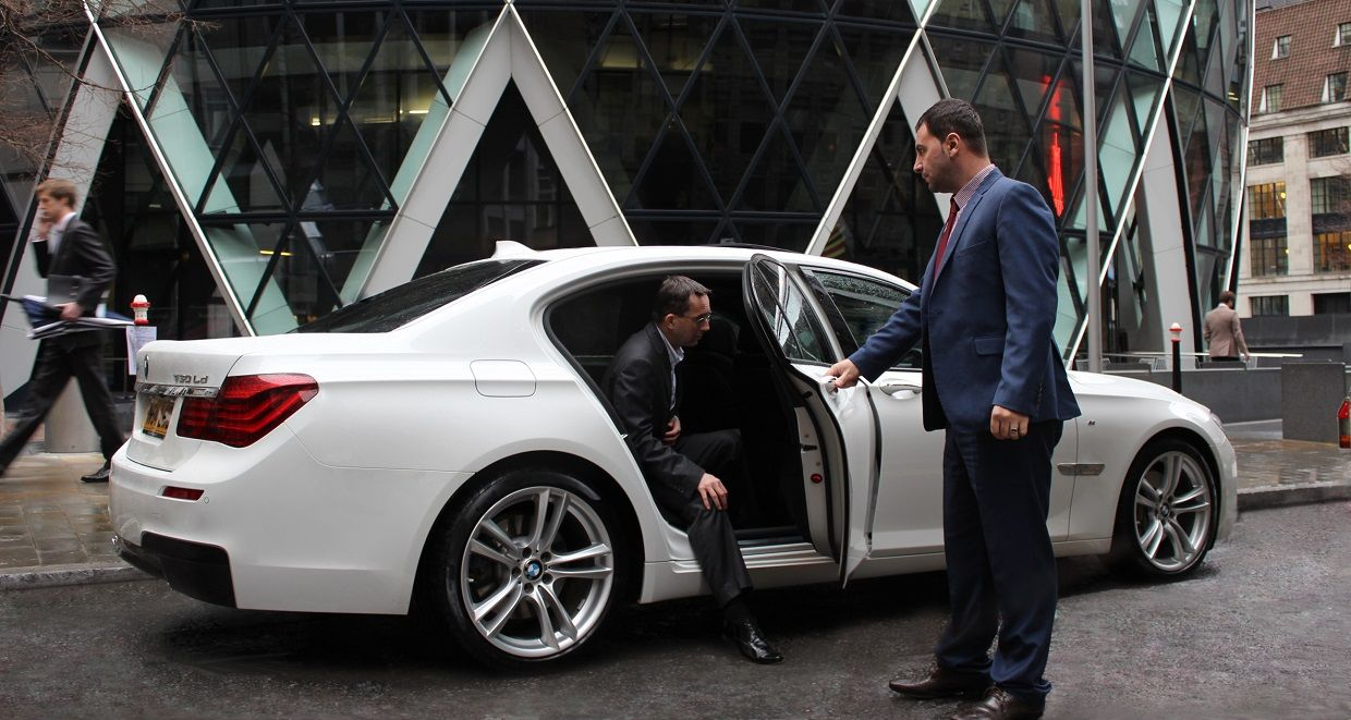 Points to Consider the Melbourne Airport Transfer Limo Service