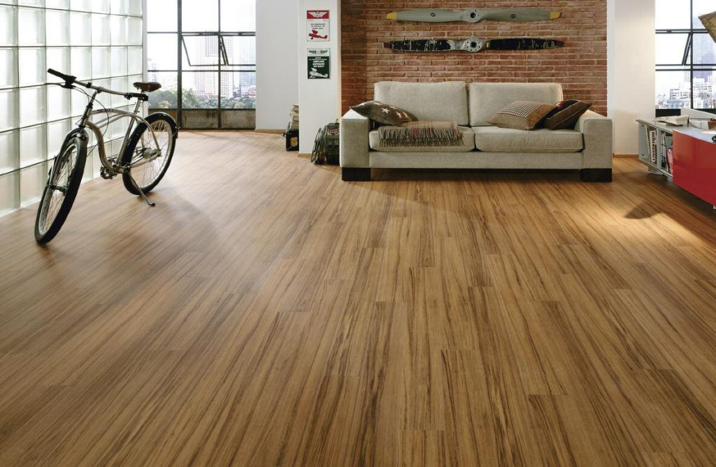 Understanding The Pros & Cons Of Hardwood And Laminate Floorings