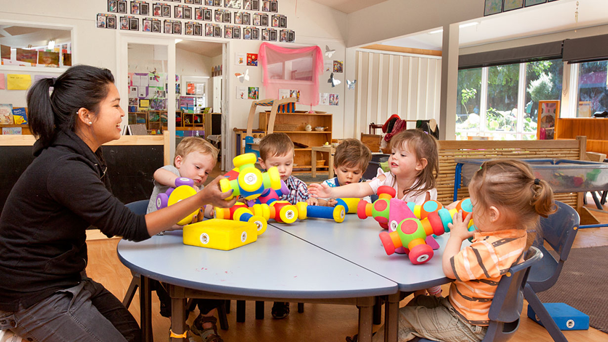 How Diploma in Childcare Help You to Make Career Bright
