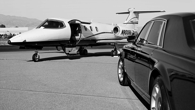 Choosing The Best Limo Service For Airport Transfer