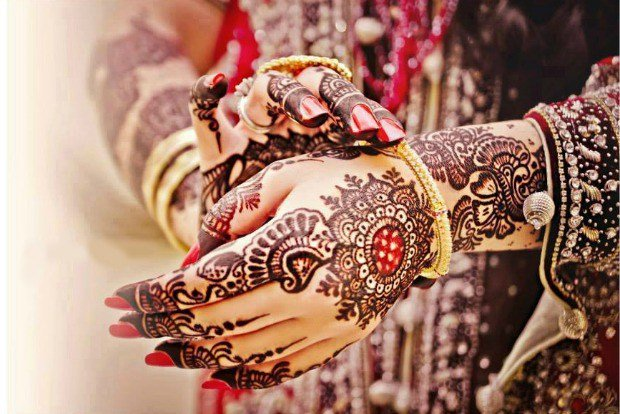 Creative Mehndi Design Prints To Wear This Wedding Season