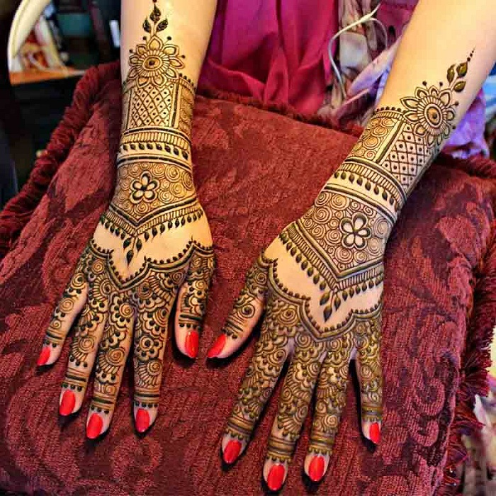 Royal Architecture mehndi design