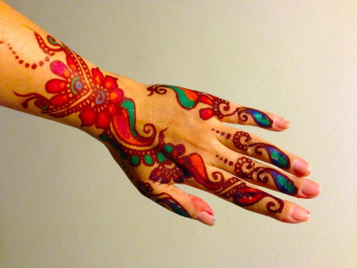 colored-mehndi-design