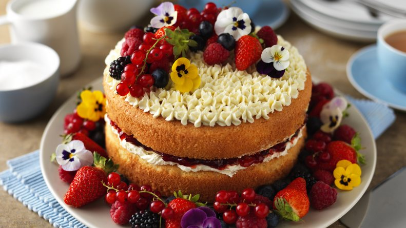 Easy Ways To Prepare Sponge Cake for a Birthday