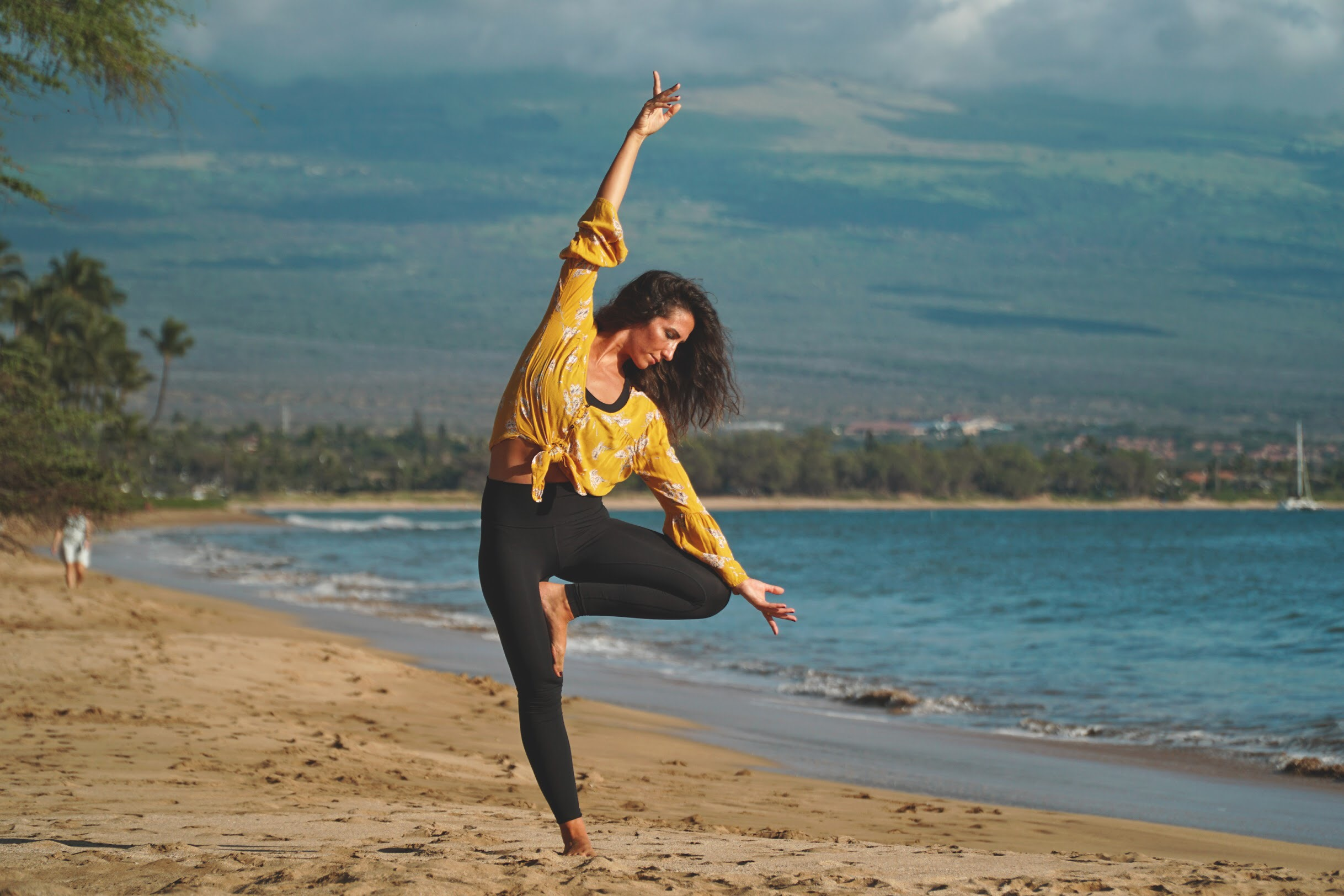 How Can One Find A Yoga Teaching Job While Travelling