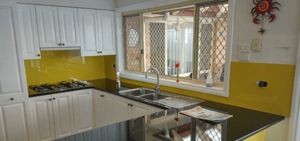 The Art of Selecting the Right Splashback Company