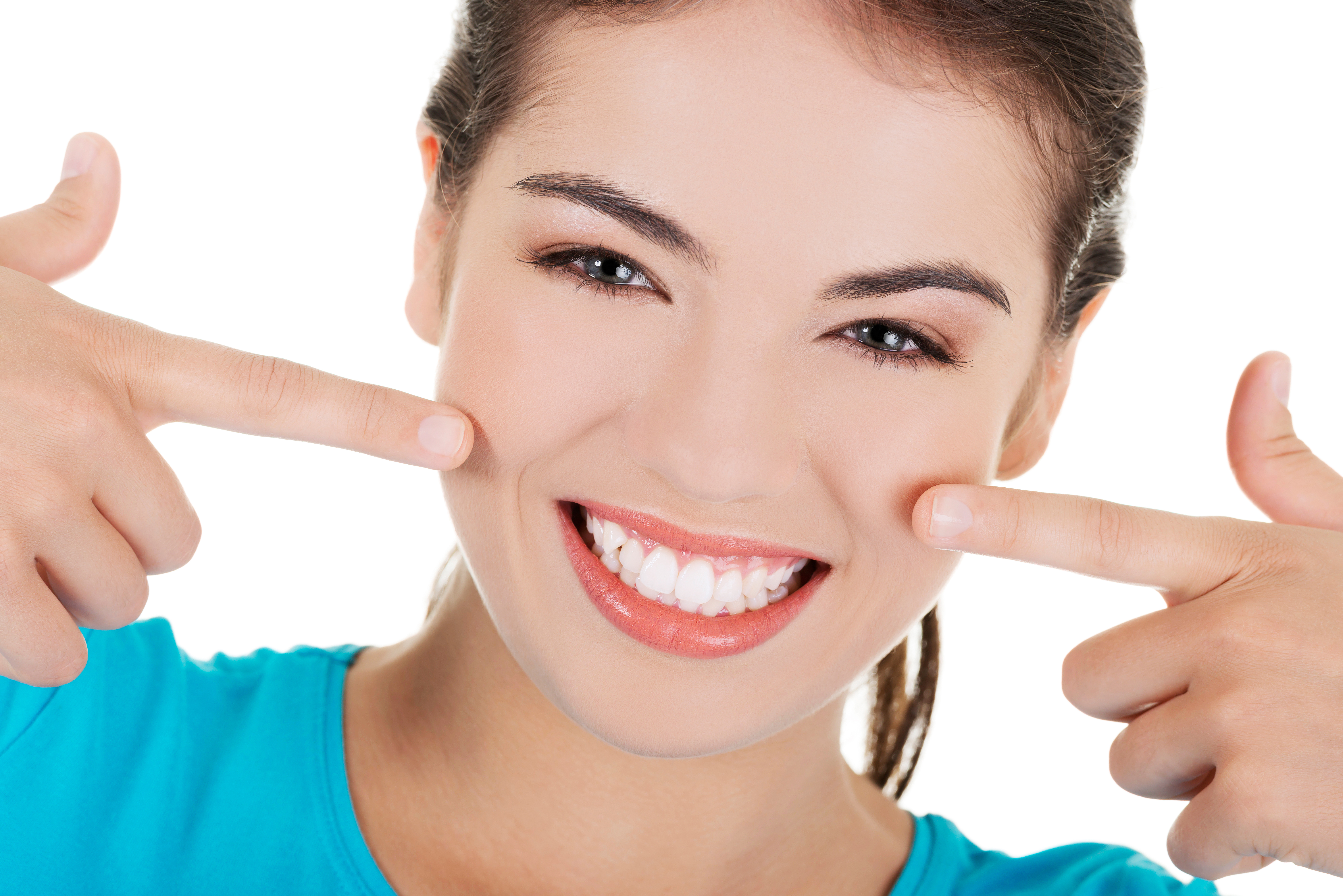 Consult A Professional Dentist Before Using Dental Veneers