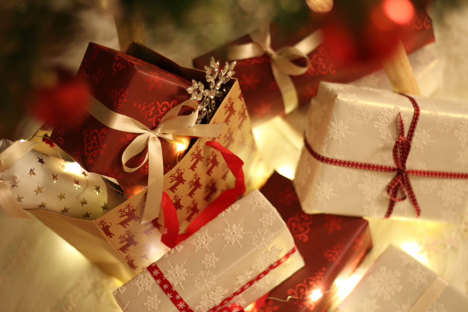 Best Amazing Gifts Ideas For Christmas Occasion!!