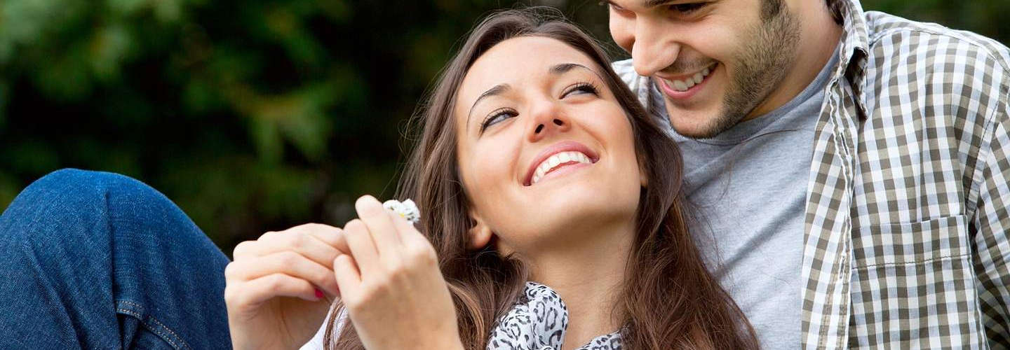 Why Online Dating Agency Become a Craze for Youngsters?