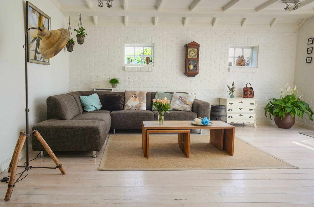The Vintage Lover's Style Guide to Designing a Living Room Space