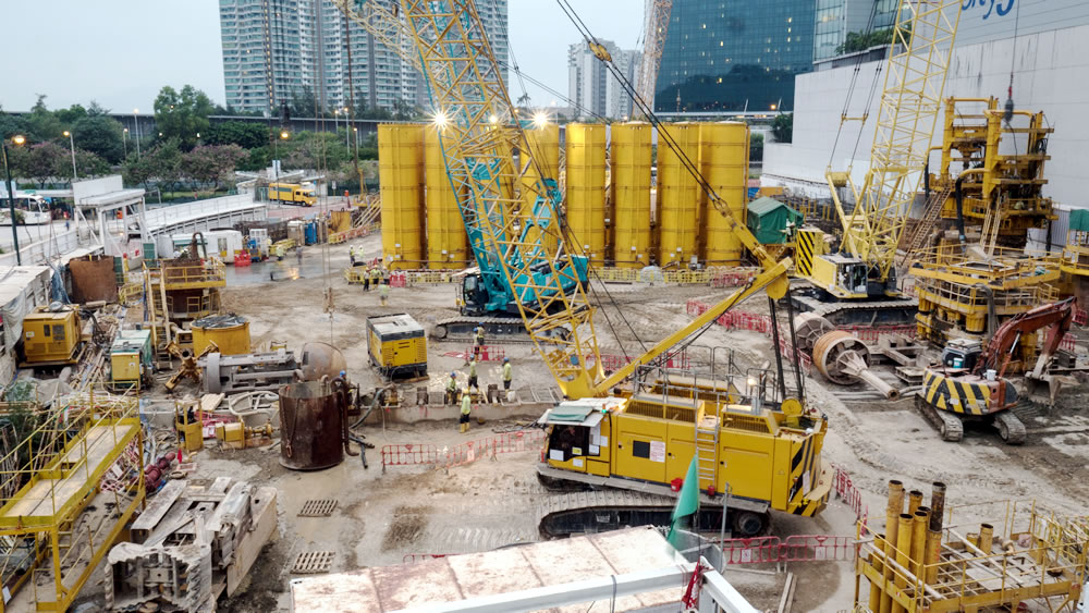 Modern Equipment Used in Construction Projects