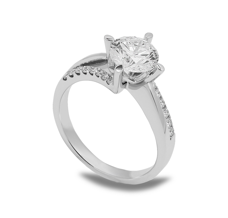 Who Might End Up Losing More When Selling Diamond Rings?