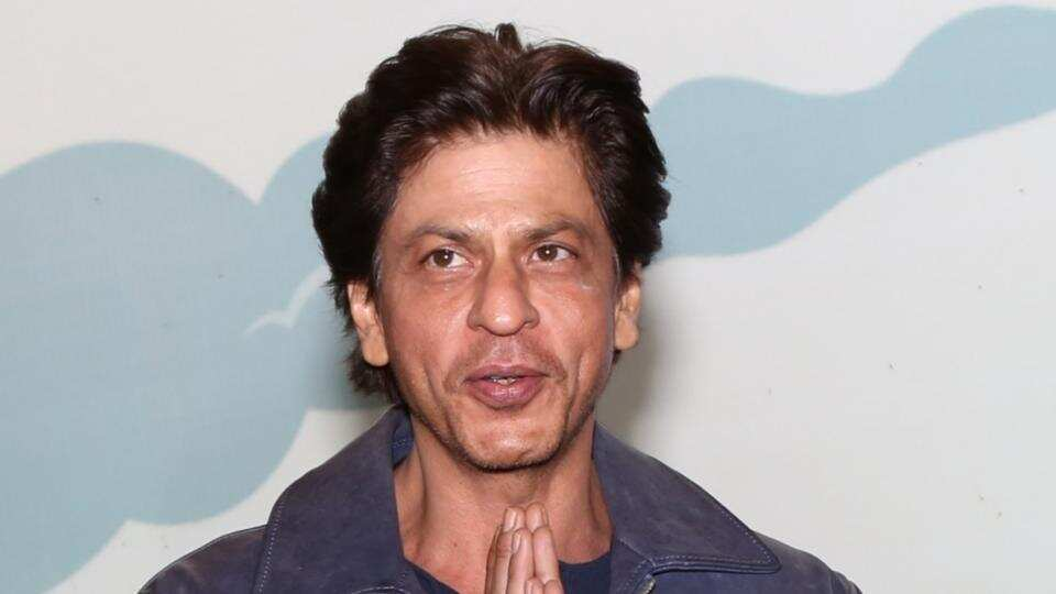 Shahrukh Khan Age, Height, Weight, Family, Wife, Controversies and Biography