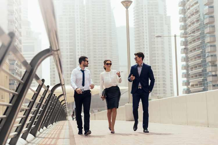 Which is More Appropriate for an Expat in UAE? (Job Vs Business )