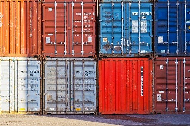 Benefits of Shipping Container Transport Service via Railway