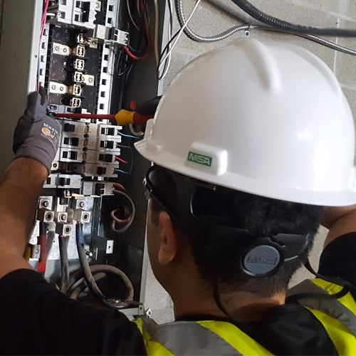 What is the Difference Between an Industrial Electrician and Commercial Electrician?