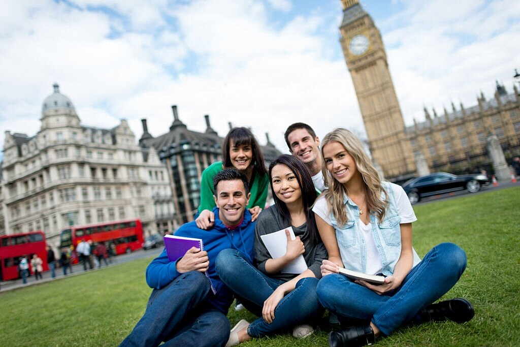 Moving to The UK For Your Studies? Here are Some Tips to Help You Move
