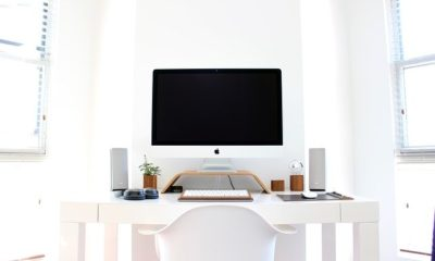 A clean workspace with a lot of space, one of the benefits of using onsite storage at work.