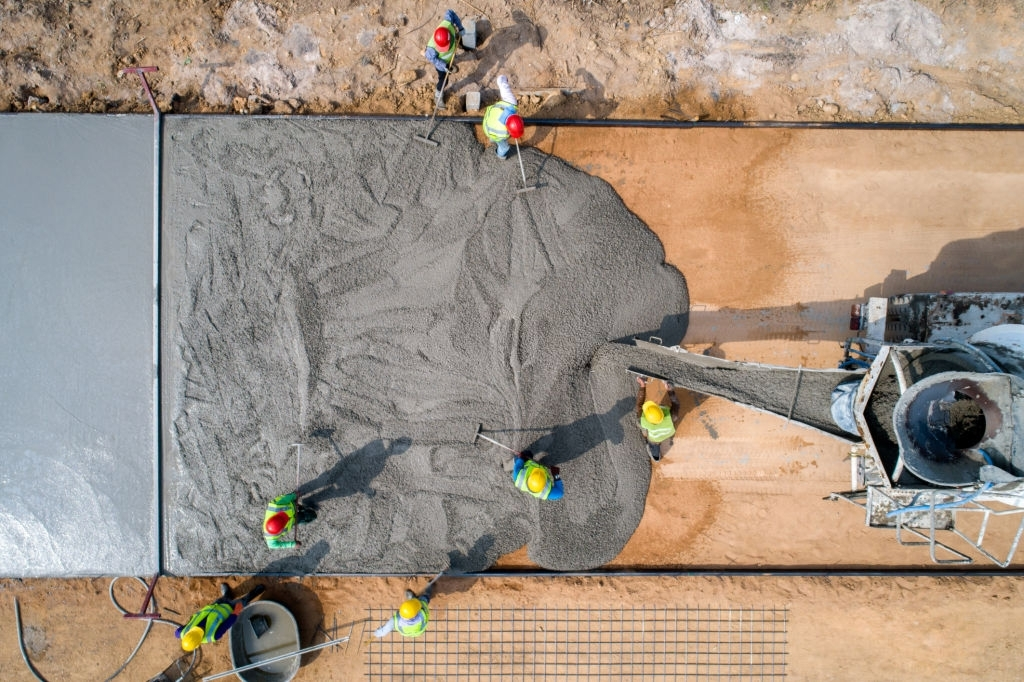 How a Concreter Seals a Concrete Floor?