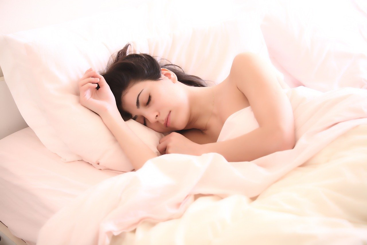 Sleep with Silk Pillowcase; They Are The Best Buddy of Your Sweet Dreams