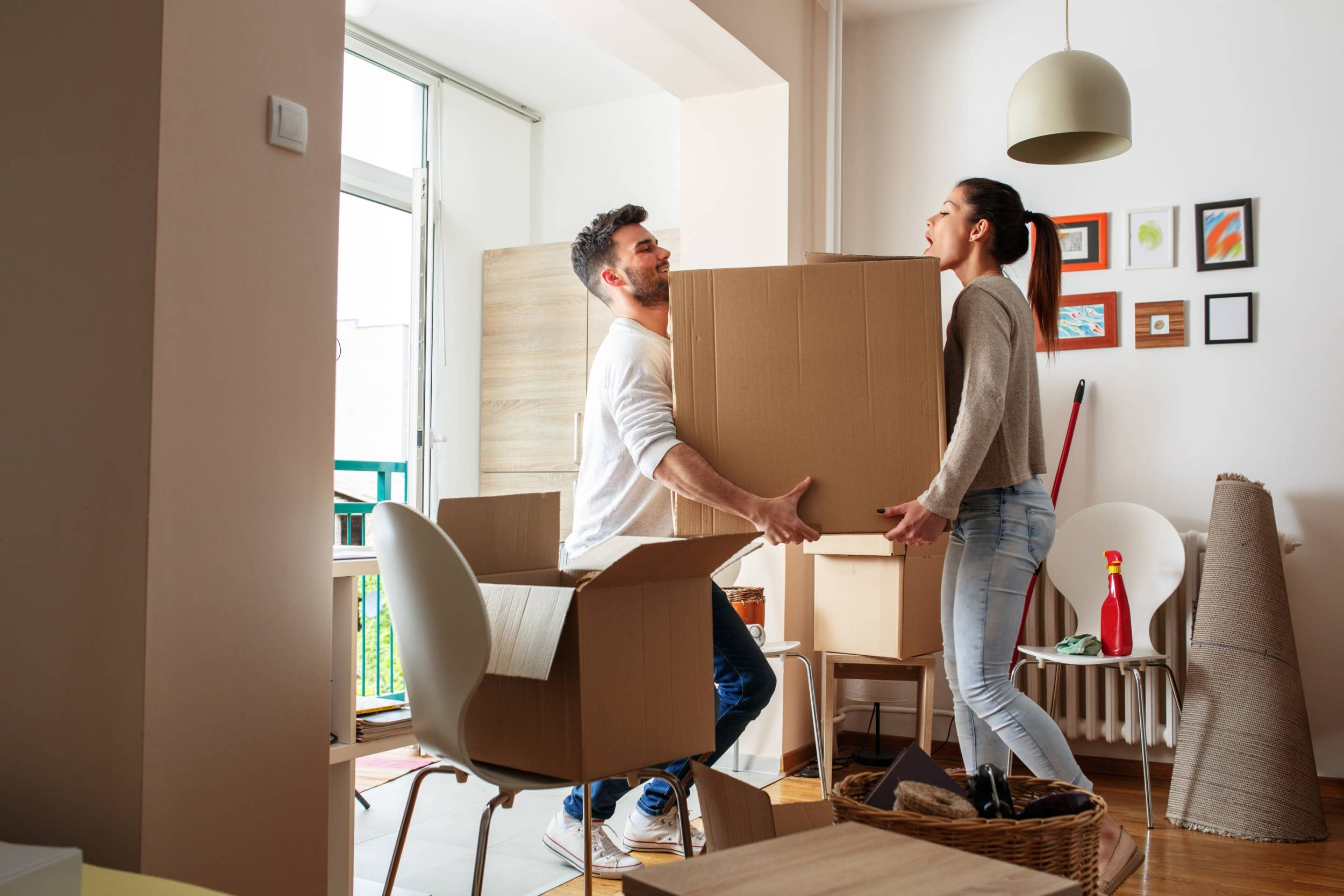 Completed Your College? Pros and Cons of Relocating Your Home after College