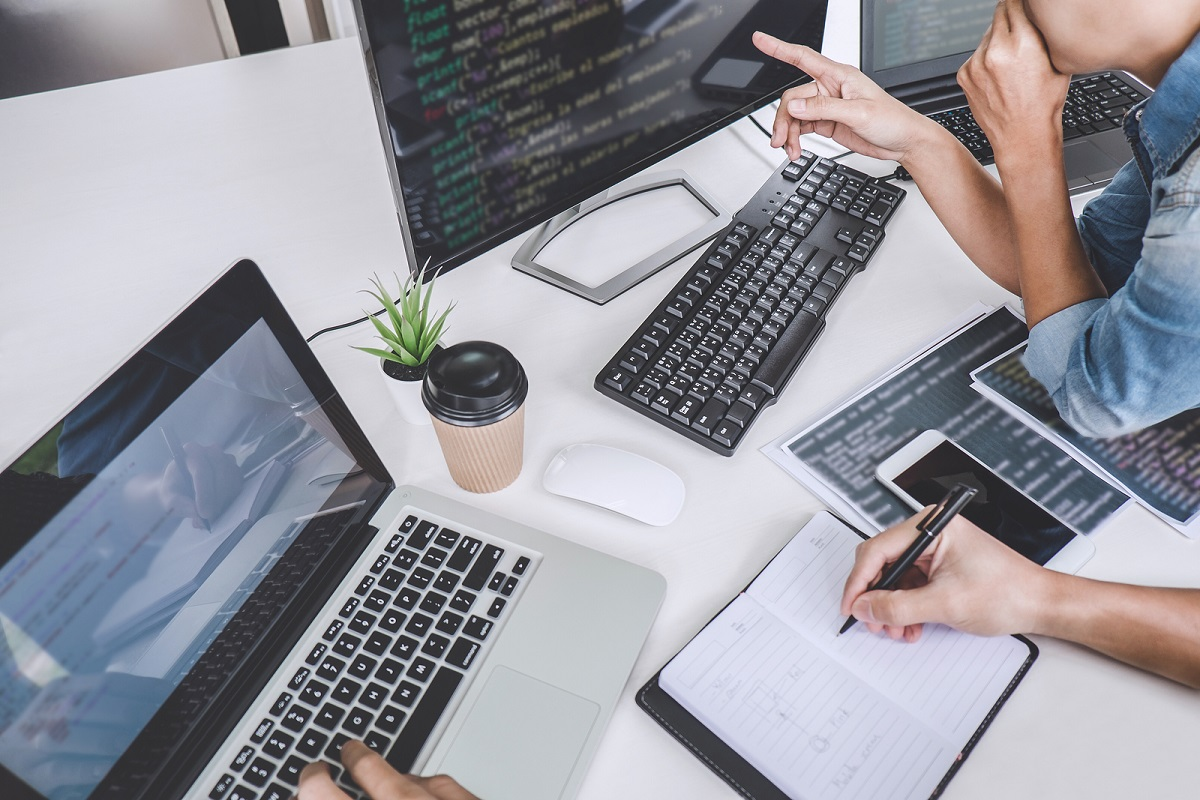 Why Businesses Must Outsource Their IT Support