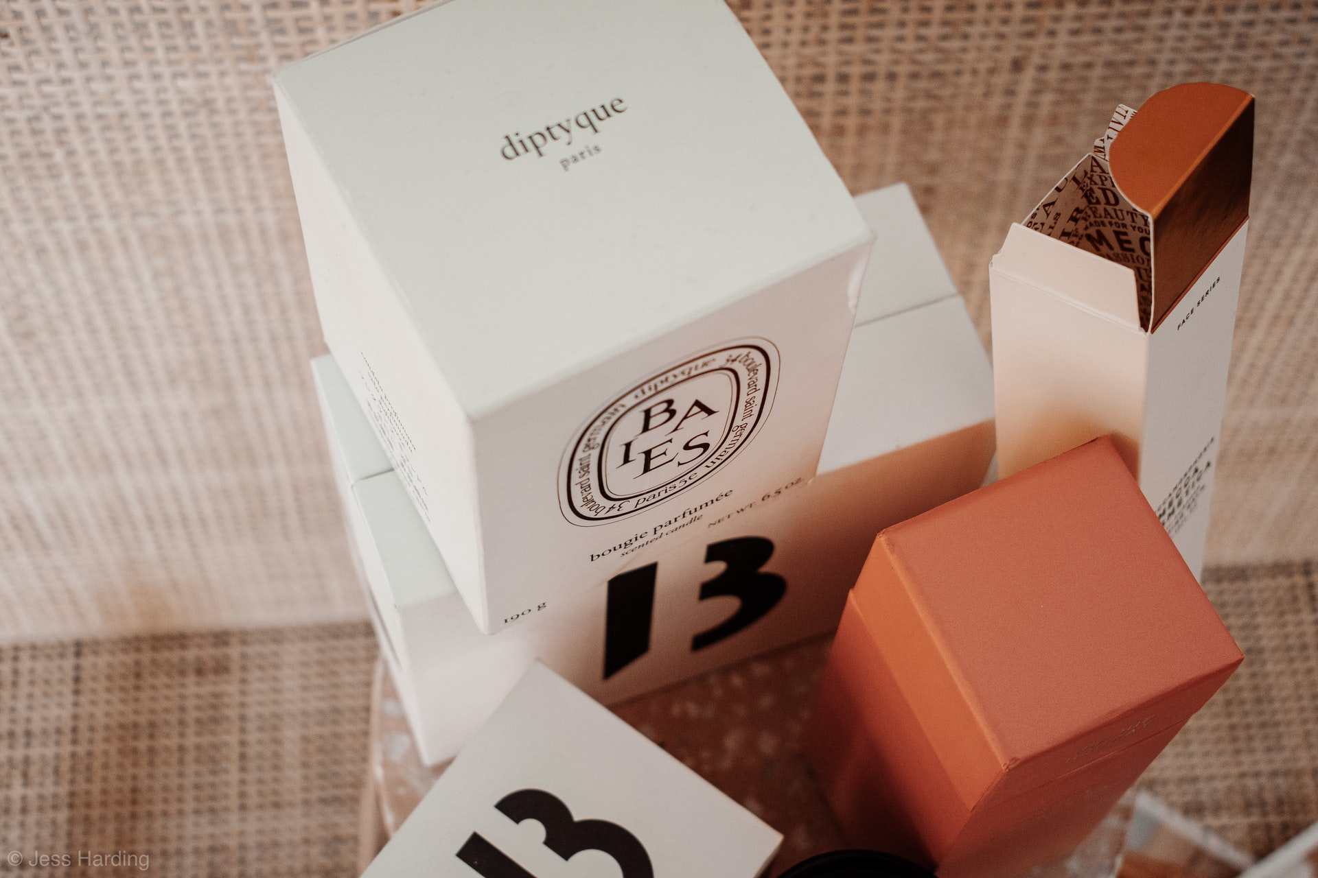 Everything Which You Need to Know About Custom Lip Gloss Boxes